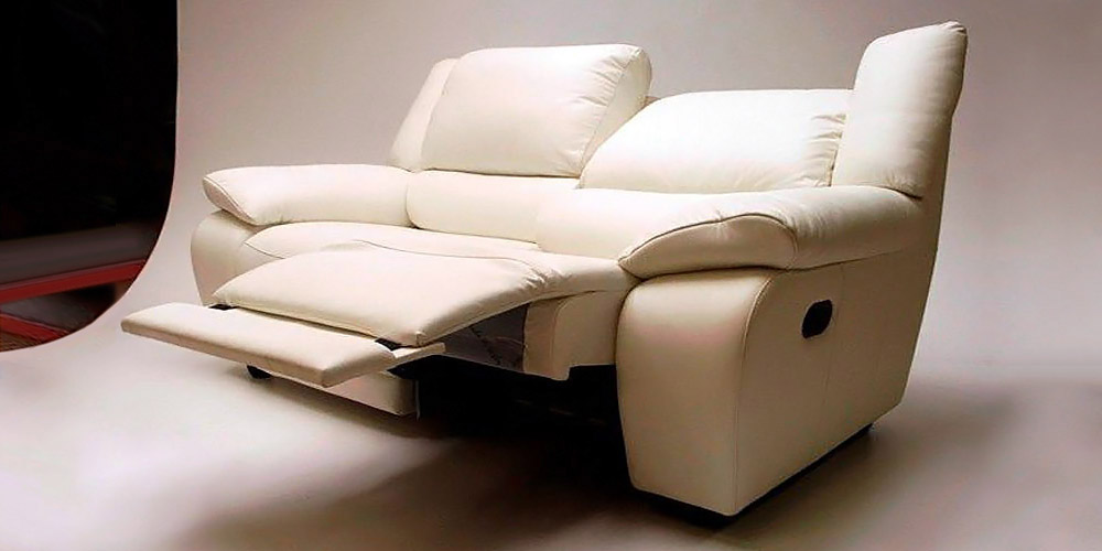 Divano in pelle divano in tessuto modello casanova for Divano 3 posti relax