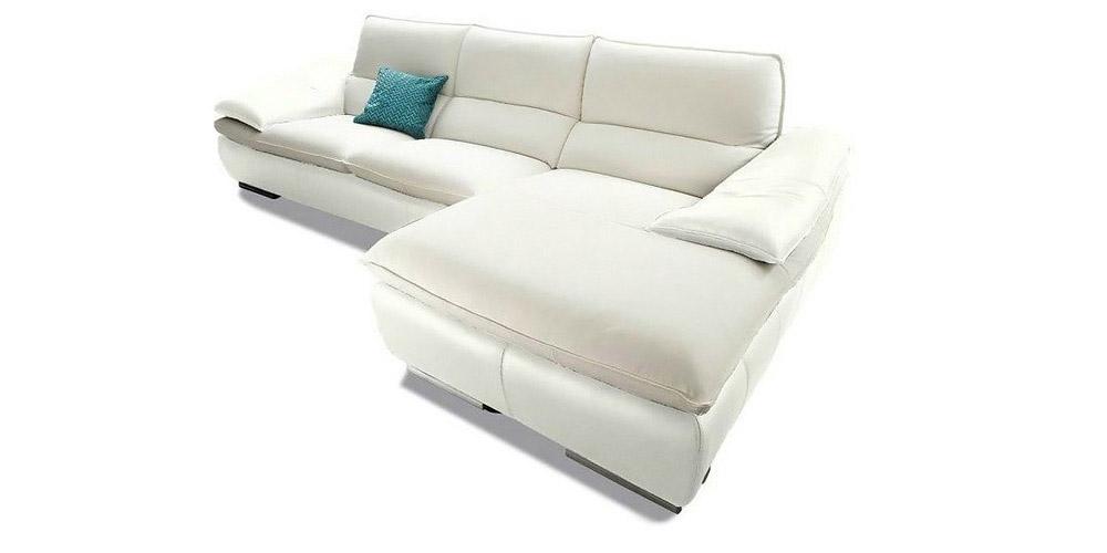 Divano in pelle divano in tessuto modello santamaria for Rivestire divano pelle